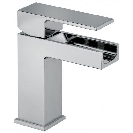 Pulire e igienizzare rubinetti cromati con prodotti naturali