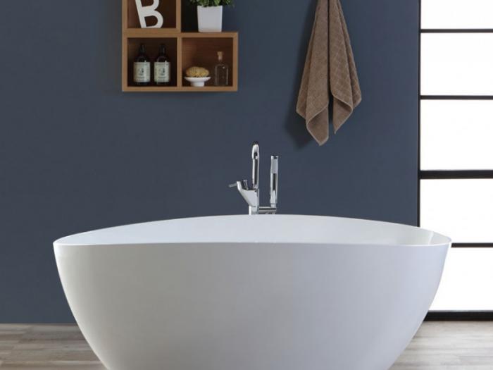 vasca da bagno freestanding per arredare un bagno grande
