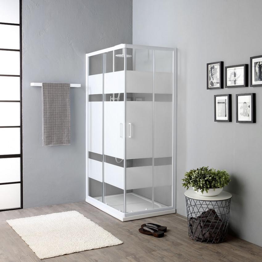siliconare un box doccia con profili bianchi