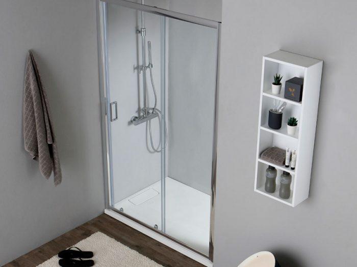 doccia a nicchia illuminata per bagno senza finestra