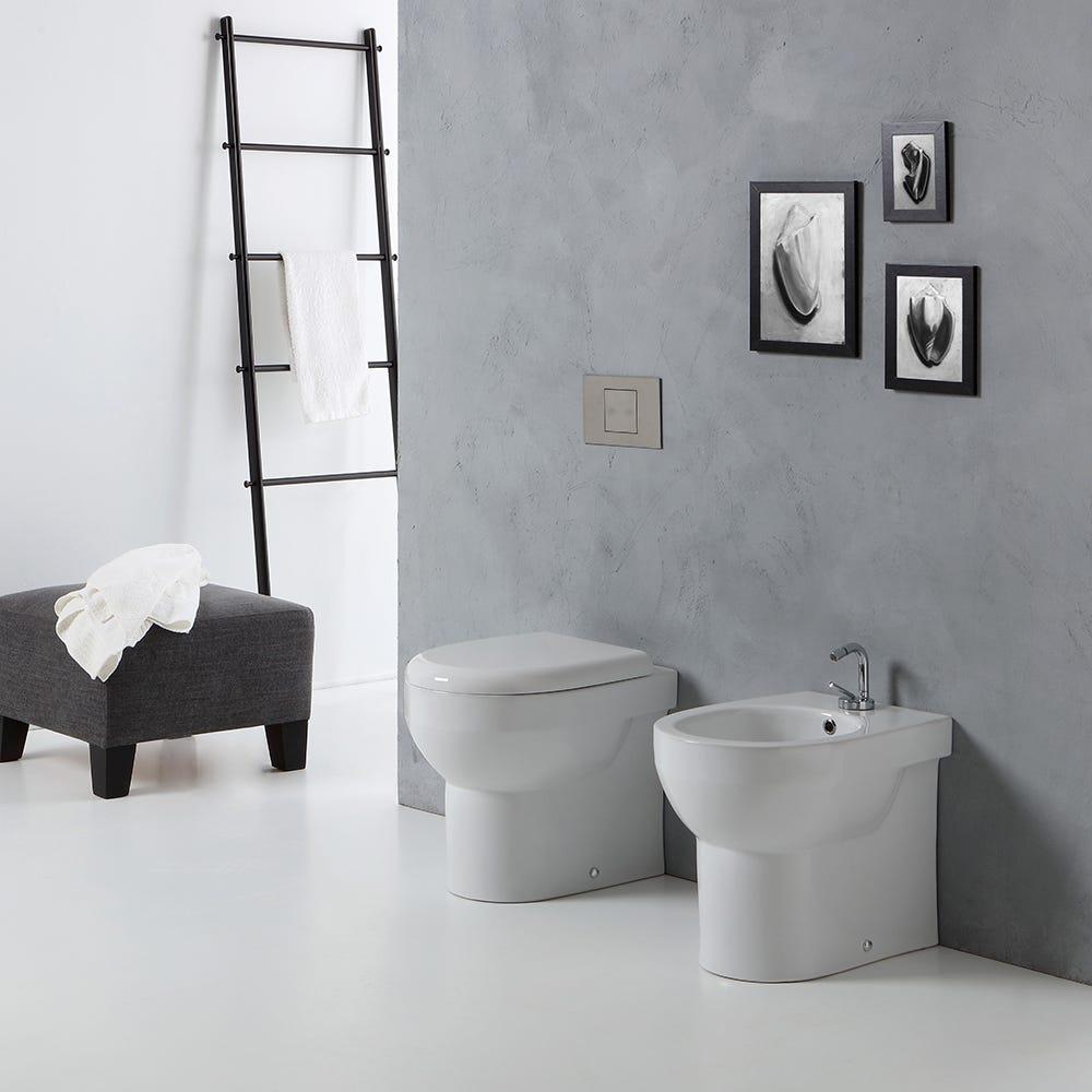 Sanitari bagno a terra filo muro con scarico a parete o for Copri muro esterno prezzi